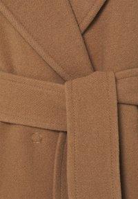 TWINSET - Klasický kabát - cammello - 2