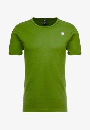 BASE R T S/S - Basic T-shirt - kelly green/white