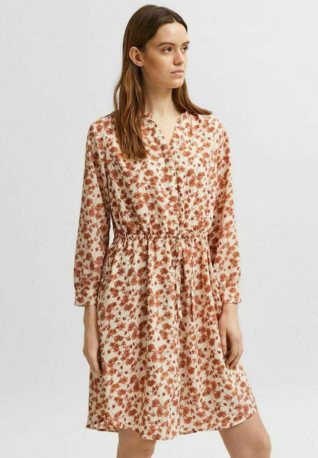 SLFPOLINE DAMINA - Korte jurk - birch