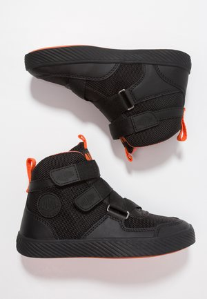 PALLASTREET MID - High-top trainers - black/firecracker