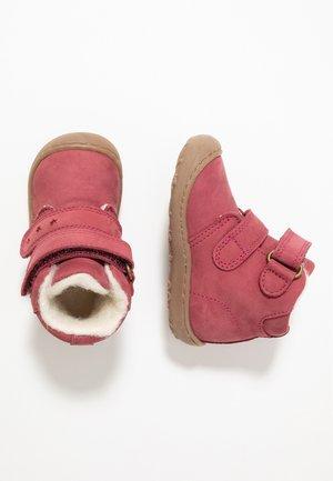 Baby shoes - gerbera