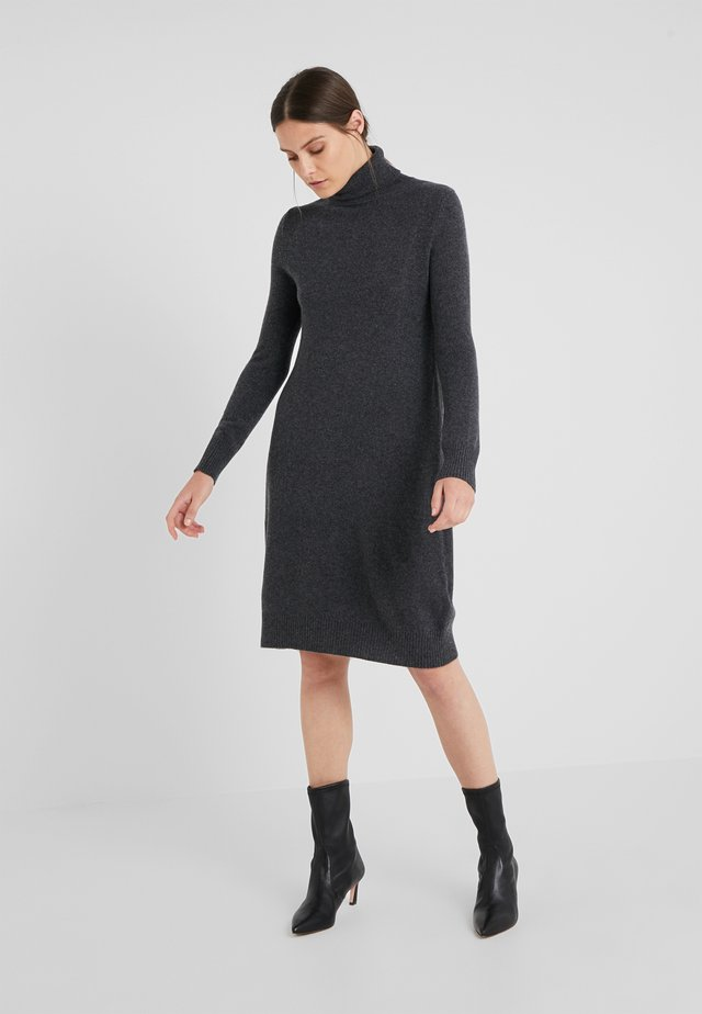 TURTLE NECK DRESS - Stickad klänning - graphite