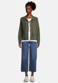 Cartoon - Light jacket - dunkelgrün - 1