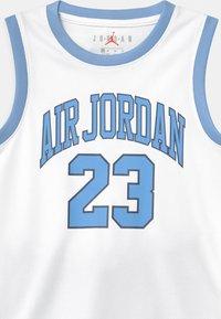 Jordan - MUSCLE SET - Sports shorts - university blue - 3