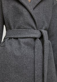 PULL&BEAR - Klasický kabát - dark grey - 6