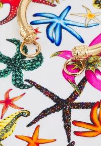 Versace - FOULARD BRACELET  - Náramek - bianco/multicolor/gold-coloured - 3