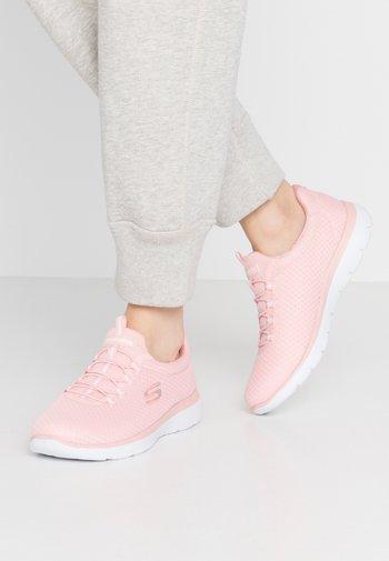 SUMMITS - Slip-ons - pink