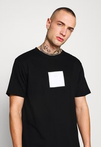 Denim Project - FRONT LOGO TEE - Printtipaita - black - 3
