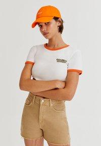 PULL&BEAR - Print T-shirt - white - 0