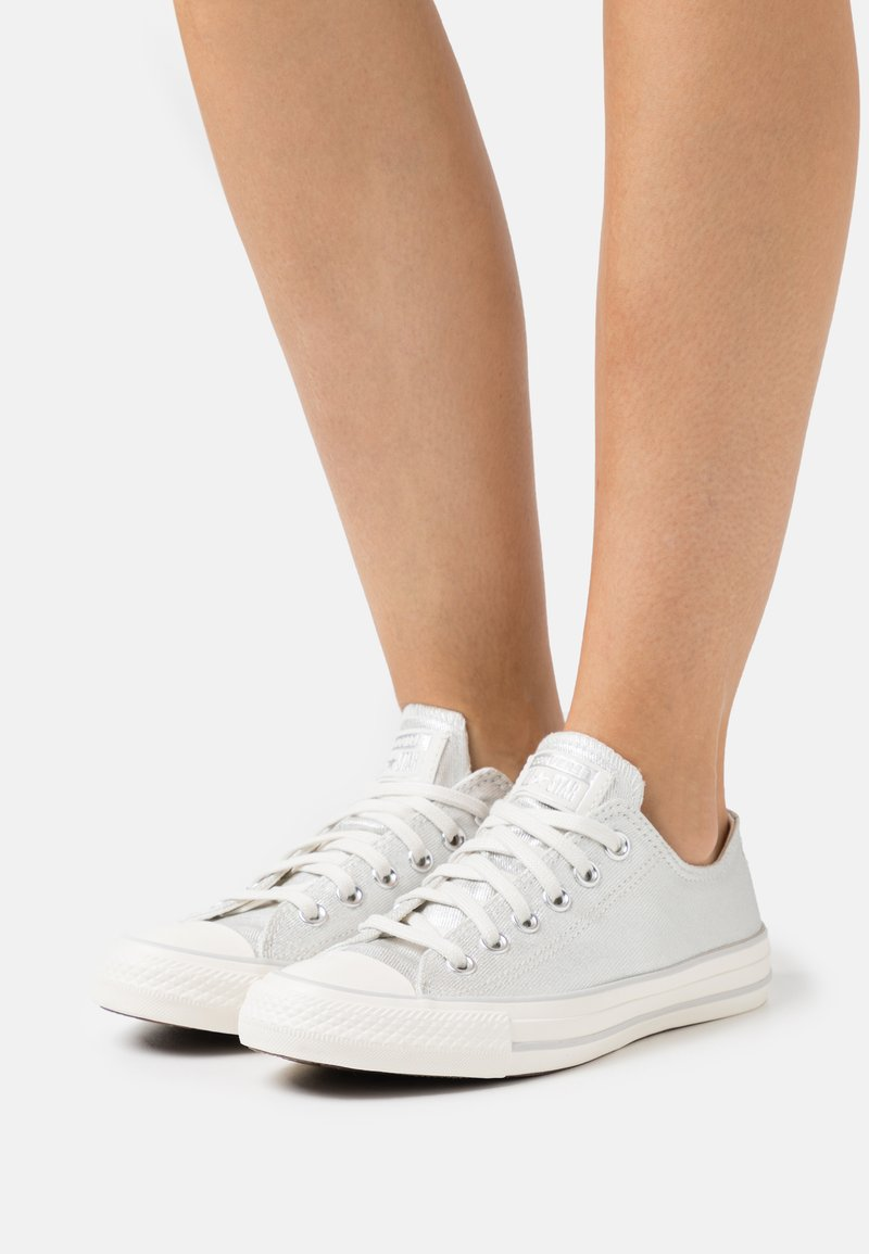 Converse - CHUCK TAYLOR ALL STAR - Sneakersy niskie - egret/silver