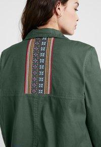 Roxy - FREEDOM FALL - Summer jacket - duck green - 6