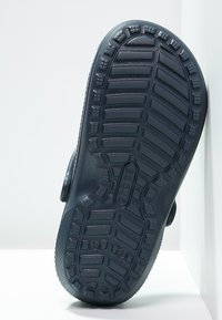 Crocs - CLASSIC LINED ROOMY FIT - Tresko - navy/charcoal - 4