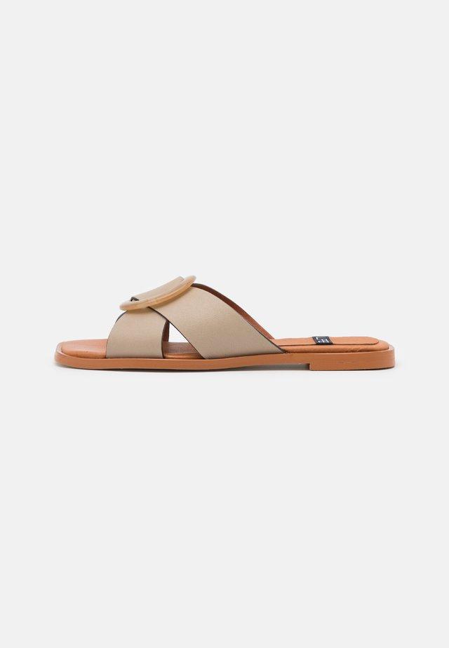 Pantofle - dream/cool