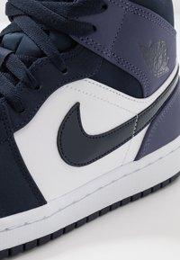Jordan - AIR JORDAN 1 MID - High-top trainers - obsidian/sanded purple/white - 5