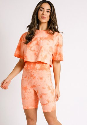 NYC WELLNESS  - Shorts - orange