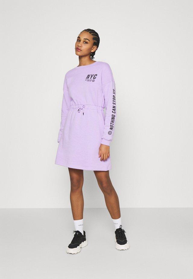 sweat mini drawstring waist dress - Day dress - lilac/black