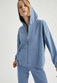 DeFacto - Zip-up hoodie - blue - 2