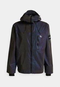 Calvin Klein Jeans - TECHNICAL 2 IN 1 UTILITY JACKET - Bodywarmer - purple/olive - 3