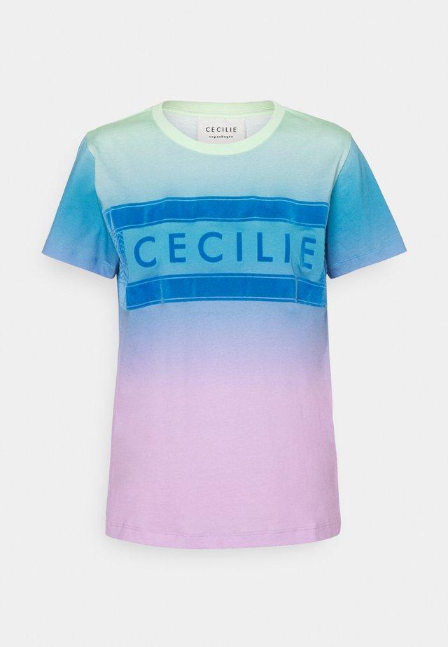 SIMONE RAINBOW - T-shirt print - pastel green