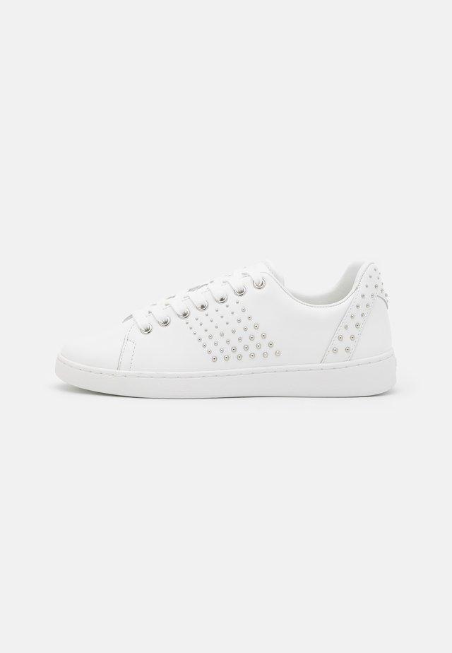 FLOWVA - Sneakers laag - blanc