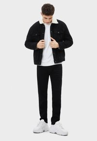 Bershka - Slim fit jeans - black - 1