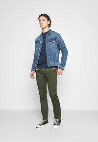 ARKET - Pantalon classique - green - 1
