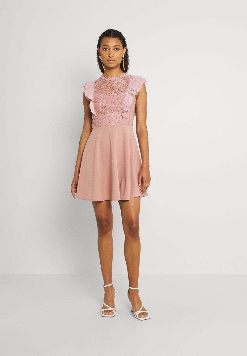 WAL G. - HUMERA LACE SKATER DRESS - Žerzejové šaty - blush pink
