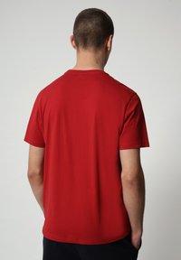 Napapijri - SALLAR - Print T-shirt - old red - 1