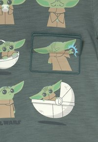 GAP - TODDLER BOY FLIPPY - Print T-shirt - district green - 2