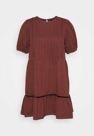 VMOILA ABOVE KNEE DRESS - Jersey dress - sable