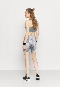 Nike Performance - ONE CORE - Leggings - smoke grey/white - 2