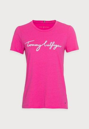 CREW NECK GRAPHIC TEE - Camiseta estampada - hot magenta