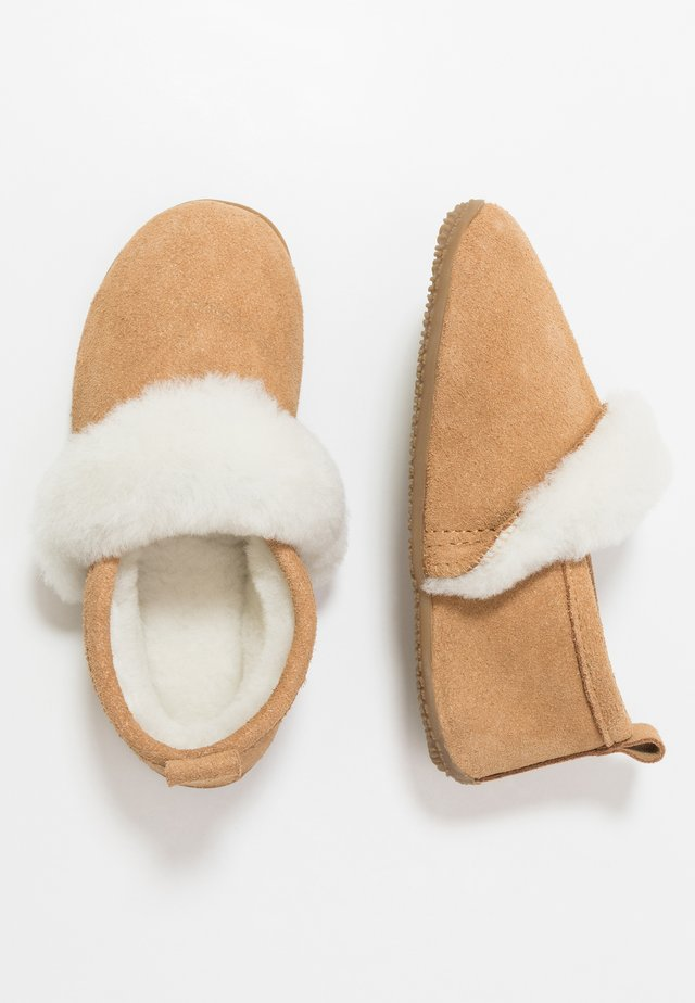 Slippers - ocra