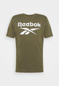 Reebok - RI BIG LOGO TEE - T-shirt imprimé - army green - 3