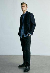 Massimo Dutti - MIT TASCHEN - Summer jacket - dark blue - 1