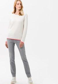 BRAX - STYLE CAROLA - Slim fit jeans - used light grey - 1