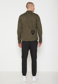 Be Edgy - BE THEO PAT - Kurtka jeansowa - khaki - 2