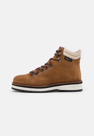 CONNERY HIKING BOOT - Veterboots - tan /white