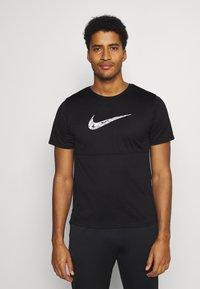 Nike Performance - BREATHE RUN  - T-shirts print - black/white - 0