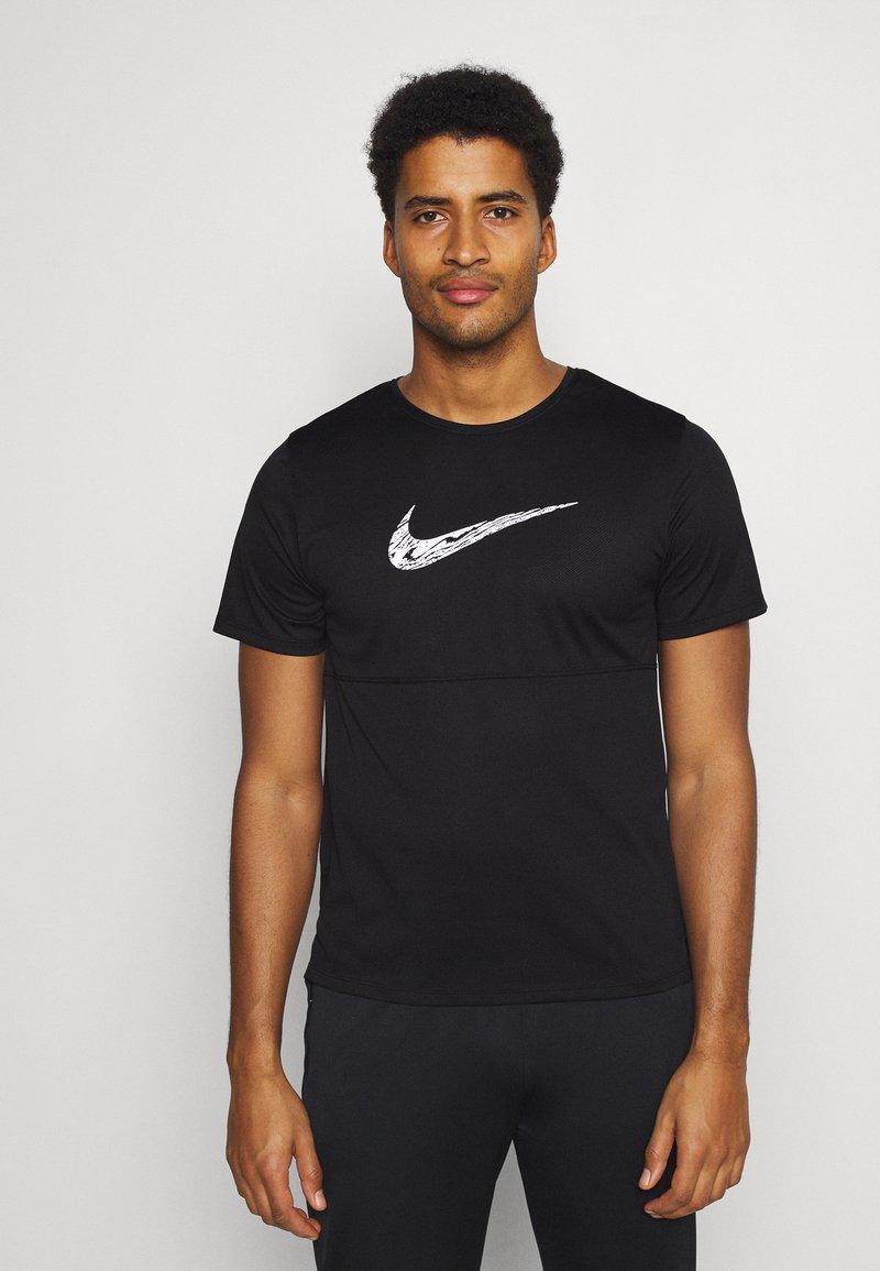 Nike Performance - BREATHE RUN  - T-shirts print - black/white
