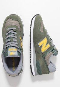 New Balance - ML574 - Trainers - green - 1