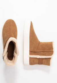 UGG - AIKA - Bottines - chestnut - 1