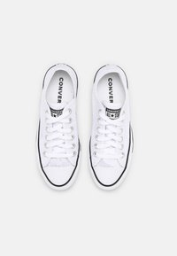 Converse - CHUCK TAYLOR ALL STAR CROCHET PLAY - Trainers - white/black - 5
