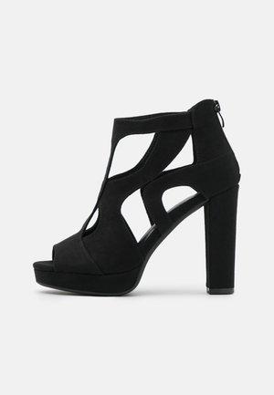 Højhælede sandaletter / Højhælede sandaler - black