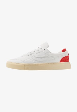 SOLEY UNISEX - Matalavartiset tennarit - offwhite/red