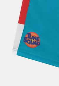 Outerstuff - SPACE JAM TOON SQUAD SHOOTER UNISEX - Sports shorts - teal - 2