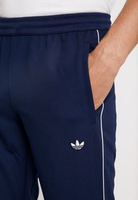 adidas Originals - TRACK BOTTOM - Pantalones deportivos - night indigo - 4