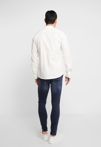 Twisted Tailor - LIGHT SPEED SHIRT - Skjorter - white - 2
