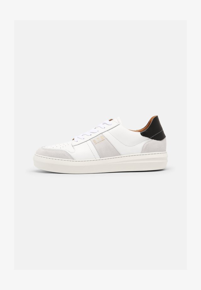 AREN COURT  - Sneakers laag - white/black