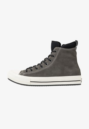 CHUCK TAYLOR ALL STAR WP BOOT - Korkeavartiset tennarit - carbon grey/black/egret